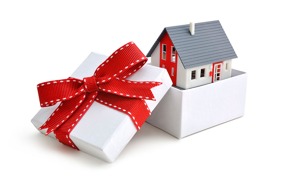 5 Tips For Selling Your Home During the Holidays -MGR Real Estate